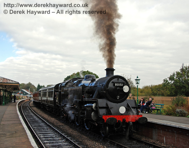 80151 steams gently as it waits for departure at Kingscote. 20.10.2007