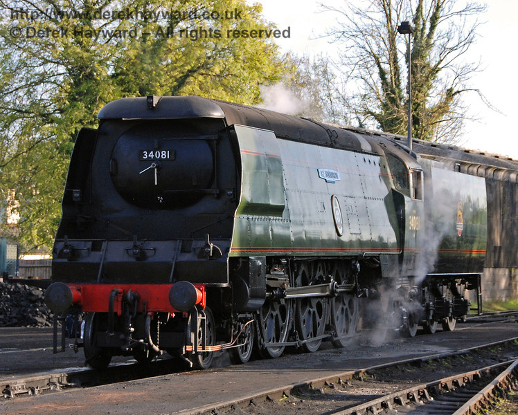 Unfortunately 34081 92 Squadron spent some time in Sheffield Park Shed on 20.10.2007 whilst a slight fault was rectified.