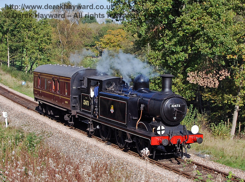 32473 runs south from Three Arch Bridge with the Footplate Days and Ways course (and a rather better quality brake van than normal!) 19.10.2007