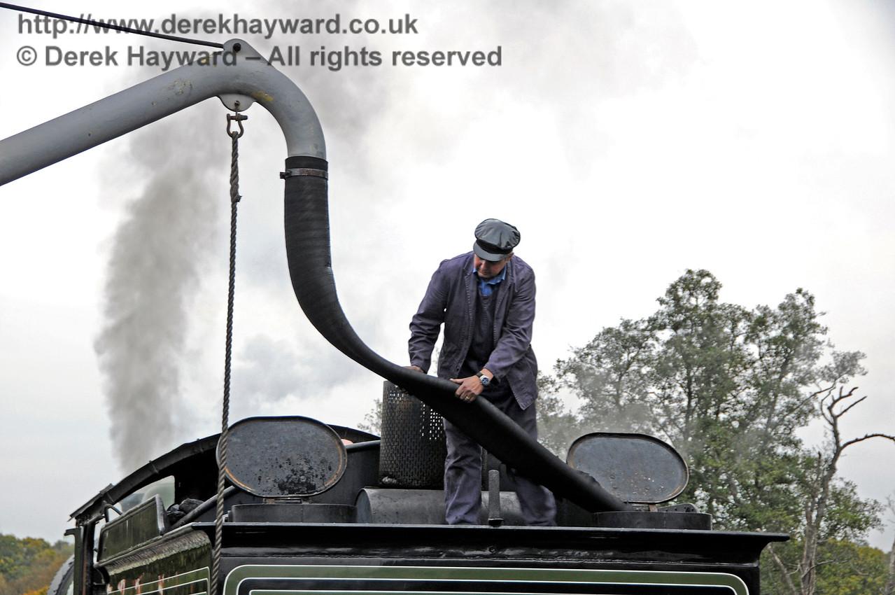 8572 taking water at Sheffield Park.  28.10.2016 16560