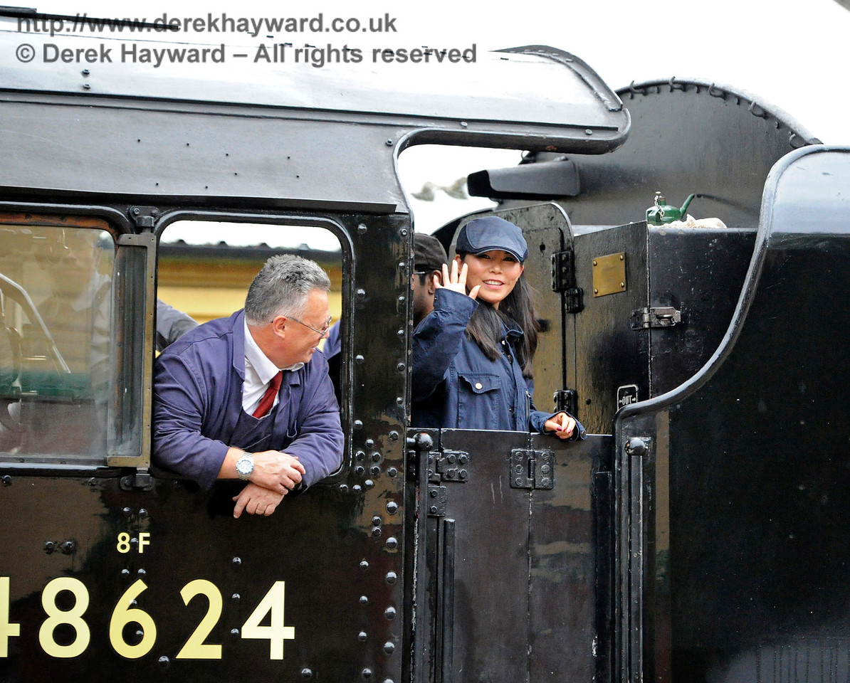 Someone was enjoying their visit to the footplate of 48624.  29.10.2016 14495