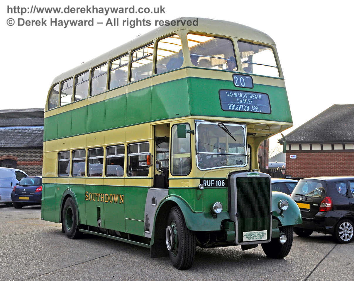One of the vintage buses providing the service between Brighton and Sheffield Park. 30.10.2016 16654