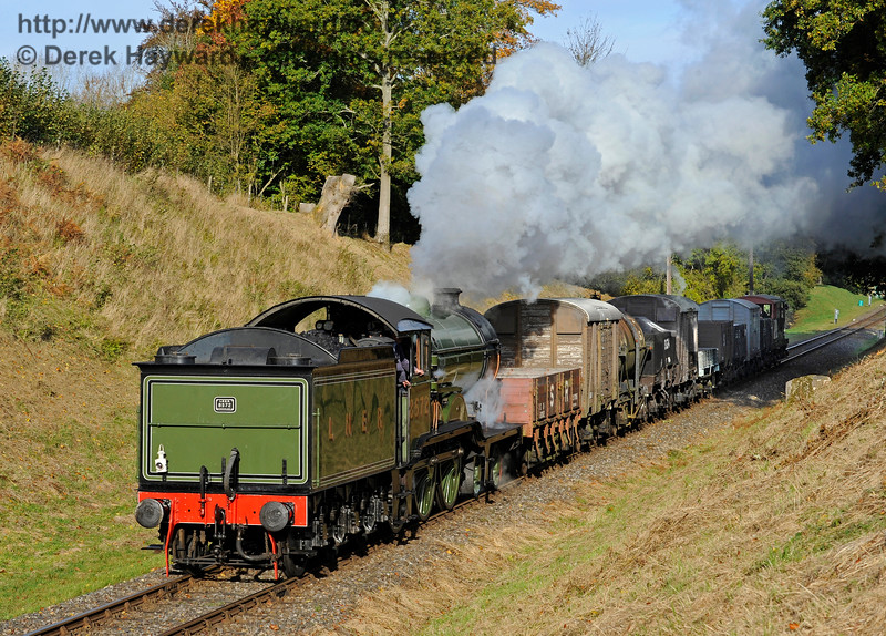 8572 takes the early morning goods train south through Mill Place cutting.  28.10.2016  14319