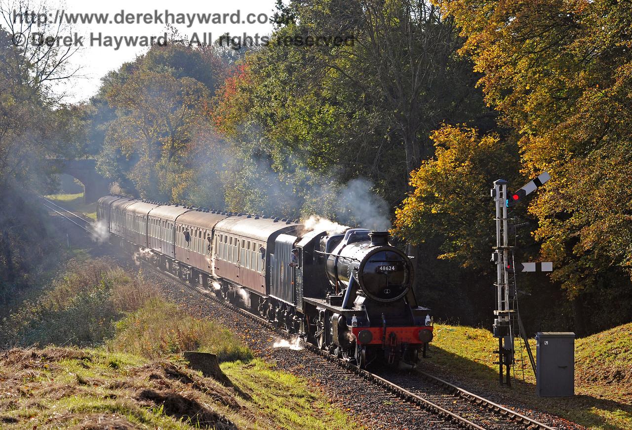 48624 passes the Kingscote Home signal.  28.10.2016 14309