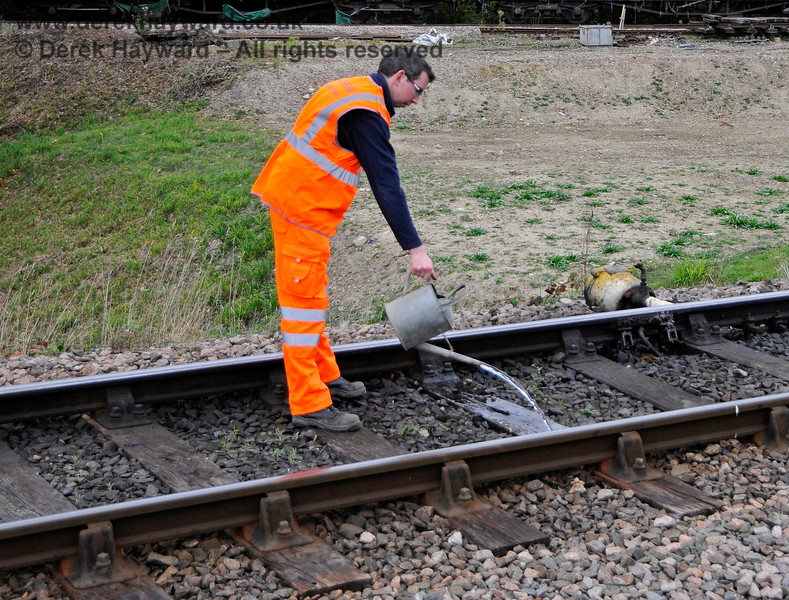 Although this might be an candidate for a caption competition, Jon Bowers is actually putting out a small fire seated in the sleeper. 13.10.2018 18968