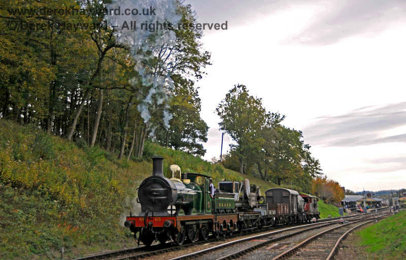 65 at Horsted Keynes with the goods train. 13.10.2018 18954