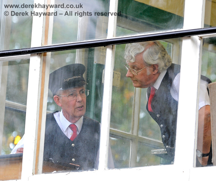 Signalmen inside the Kingscote signal box. 13.10.2018 16789
