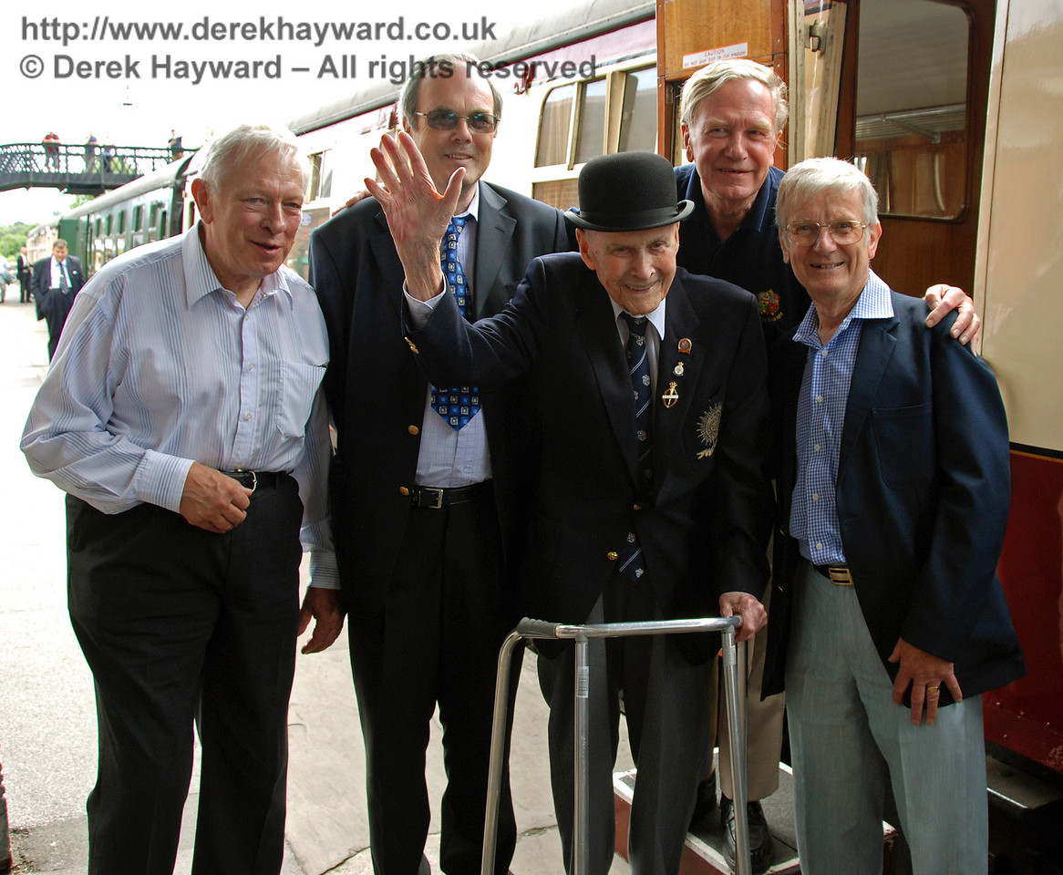 BRPS President, Bernard Holden MBE, poses with Alan Sturt, Chris Campbell, David Dallimore and (the late) Martin Eastland. Sheffield Park 17.06.2009