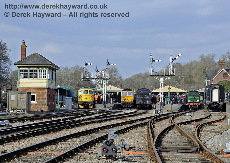 Looking north to a most unusual diesel orientated scene in Horsted Keynes platforms.  28.03.2013  6436