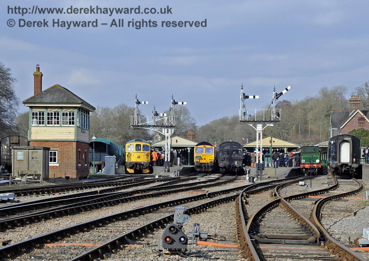 Looking north to a most unusual diesel orientated scene in Horsted Keynes platforms.  28.03.2013  6436