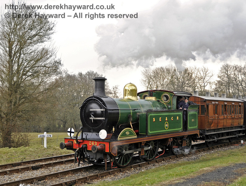 263 arrives at Kingscote.  28.03.2013  6303