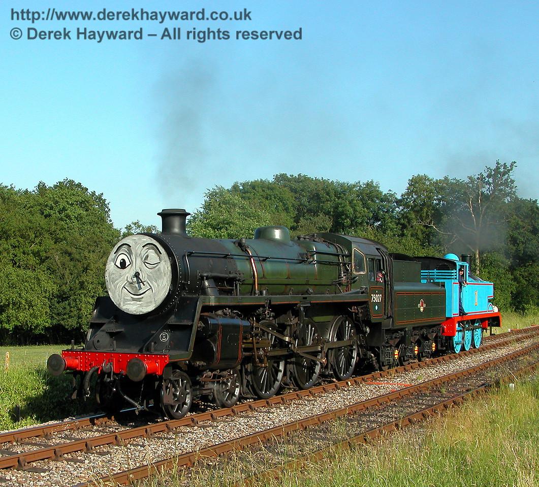 75027 playfully pulls Thomas back into Kingscote.   24.06.2006