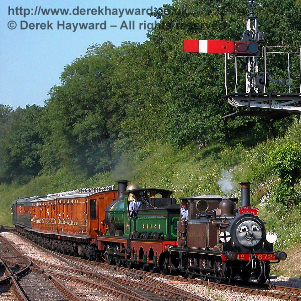Fenchurch smiles for the crowd as he returns to Horsted Keynes with 65. 24.06.2006.