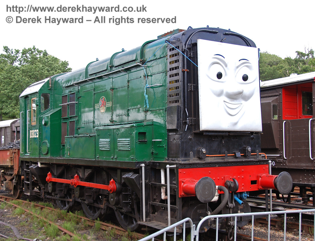 Diesel was at Horsted Keynes to meet his friends, but the steam engines made him stay in the siding. 01.07.2007
