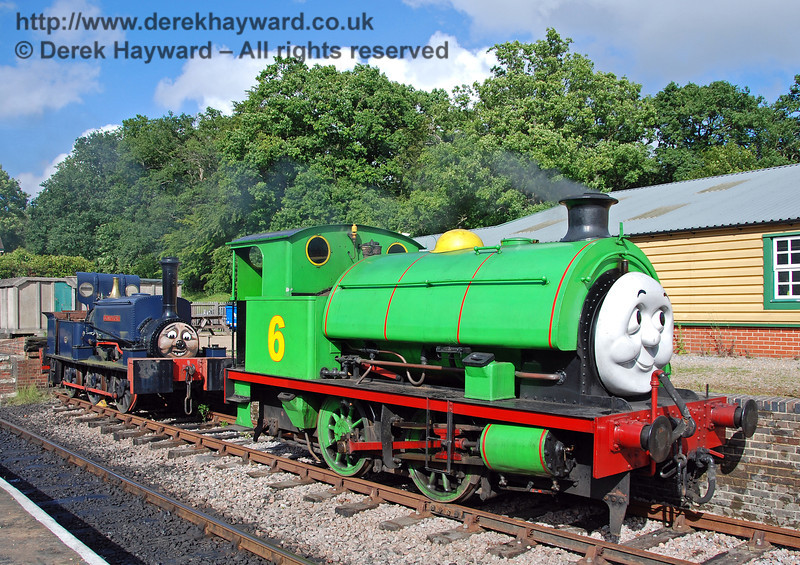 Percy meets Sharpthorn, who is more than 100 years old and helped to build the railway. Horsted Keynes 01.07.2007