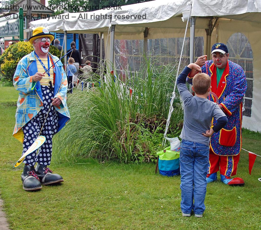 Clowns entertain the visitors at Horsted Keynes 23.06.2007