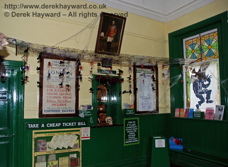 The scary ticket office at Horsted Keynes. 25.10.2008