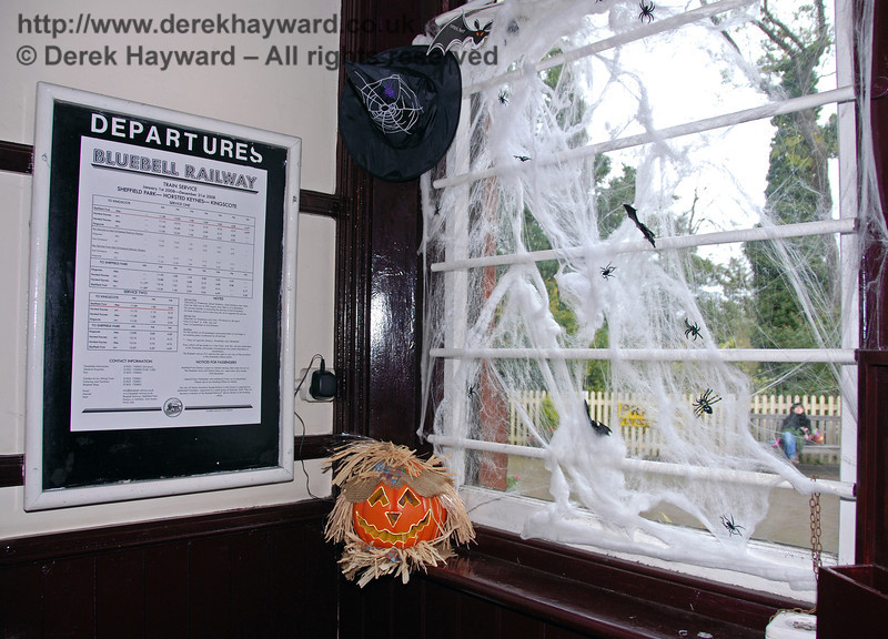 Decorations in the ticket office at Sheffield Park. 25.10.2008