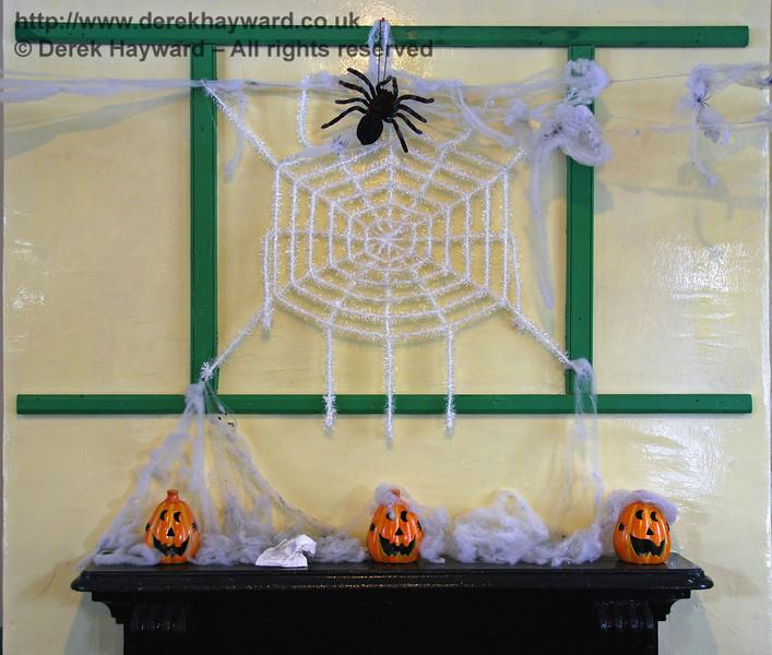 Wall decorations at Horsted Keynes. 25.10.2008