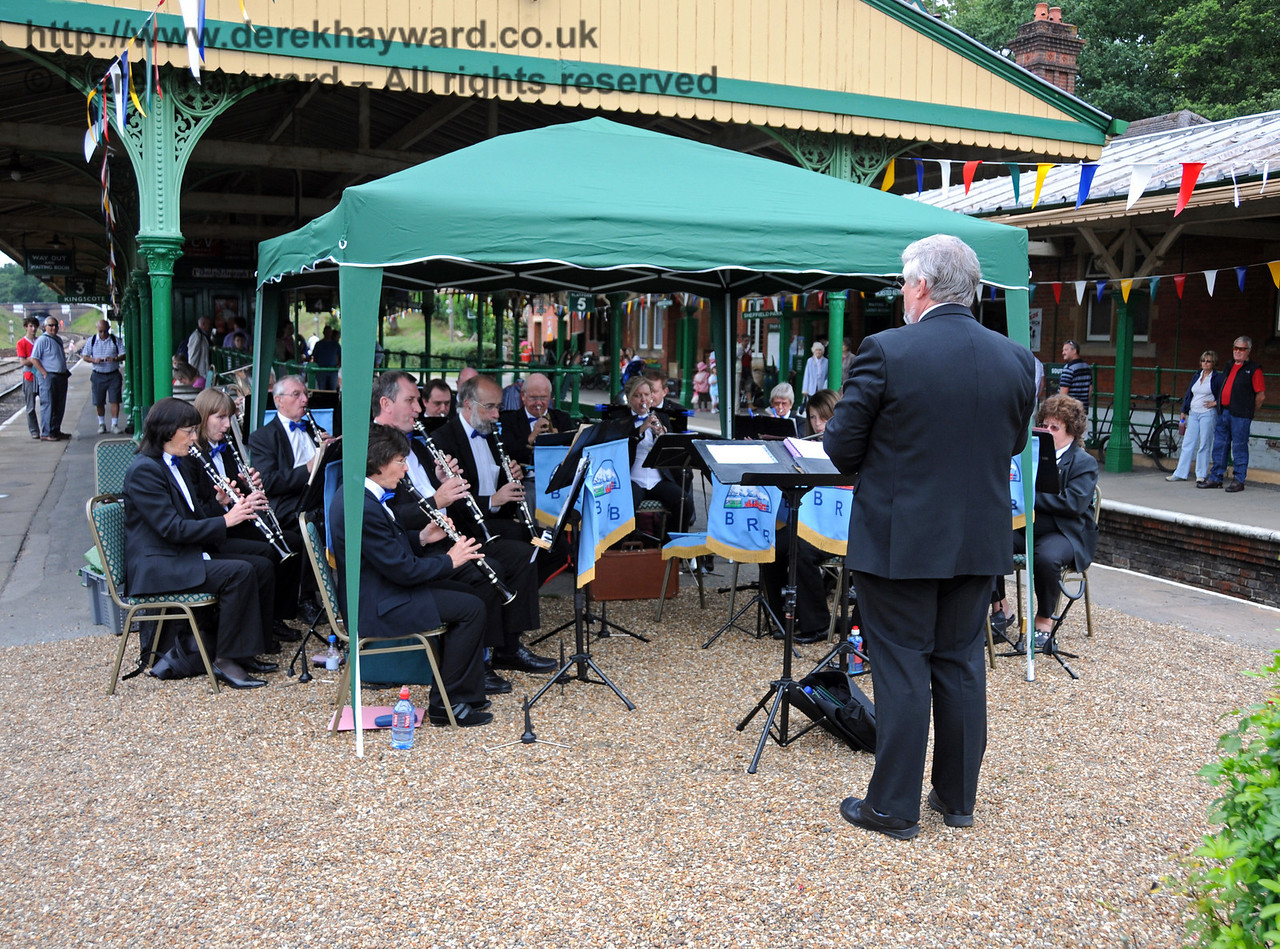 The Bluebell Railway Band, playing at Horsted Keynes. 15.08.2010  3933