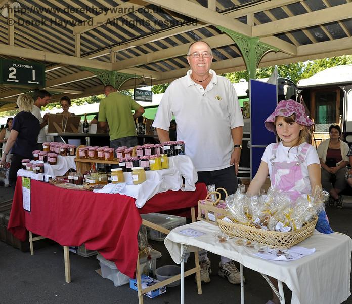 Food Fair HK 260611 1925 E