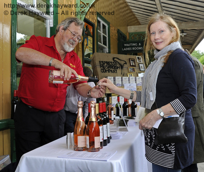 Bolney Wine Estate.  Flavours from Sussex Food Fair, Horsted Keynes.  24.06.2012  5422