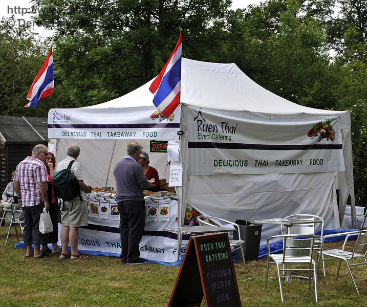 Ruen Thai Event Catering.  Flavours from Sussex Food Fair, Horsted Keynes.  23.06.2012   5227