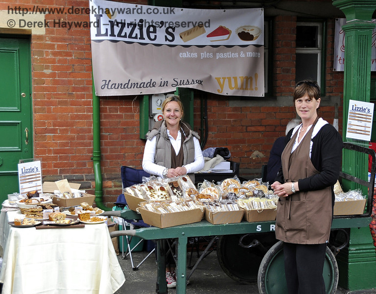 Lizzies.  Flavours from Sussex Food Fair, Horsted Keynes.  23.06.2012  5351