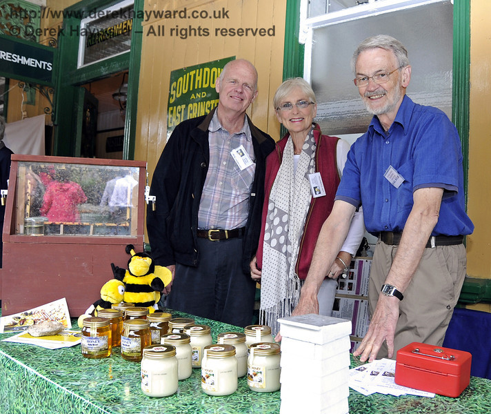 Central Sussex Beekeepers Association.  Flavours from Sussex Food Fair, Horsted Keynes.  23.06.2012  5344