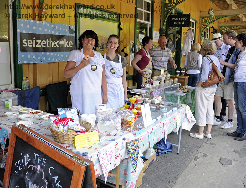Seize The Cake.  Sussex Food Festival, Horsted Keynes, 06.07.2013  9377