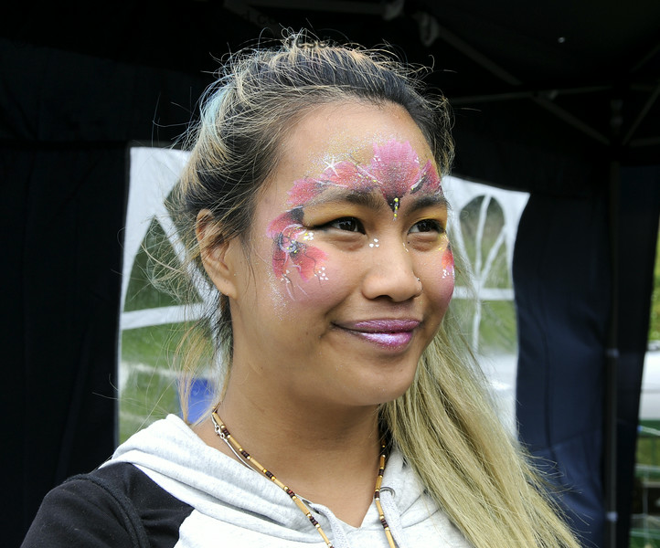Face painting at the Sussex Food Festival, Horsted Keynes, 06.07.2014   11182