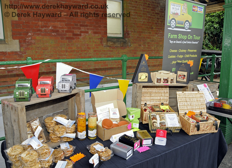Farm Shop on Tour.  Sussex Food Festival, Horsted Keynes, 06.07.2014   11156