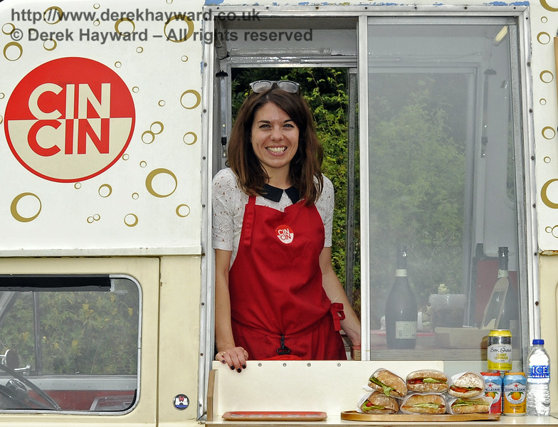 Cin Cin Bubbles and Nibbles.  Sussex Food Festival, Horsted Keynes, 05.07.2014   11050