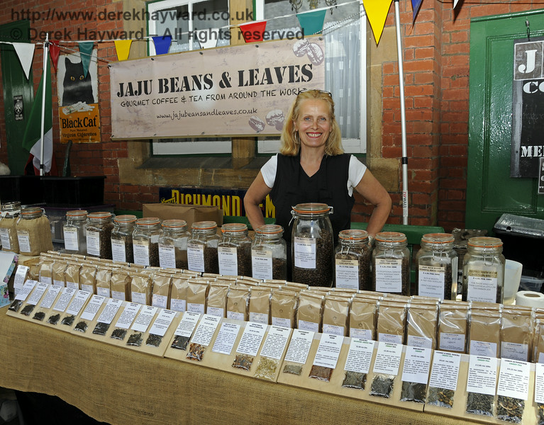 Jaju Beans and Leaves, Coffee and Tea Merchants.  Sussex Food Festival, Horsted Keynes, 05.07.2014  10971