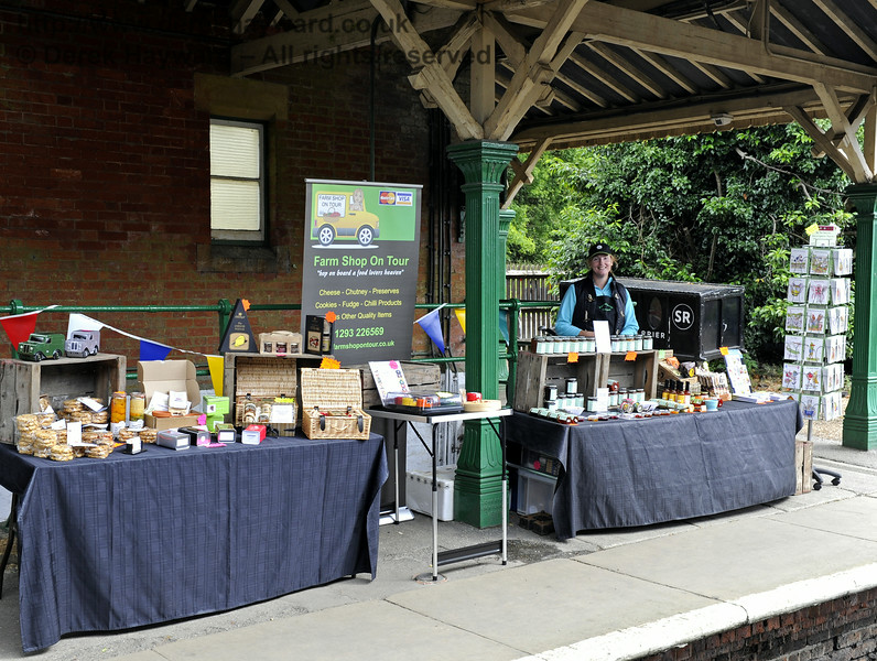 Farm Shop on Tour.  Sussex Food Festival, Horsted Keynes, 06.07.2014   9857