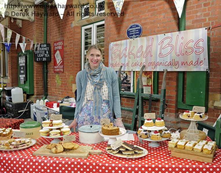 Baked Bliss.  Sussex Food Festival, Horsted Keynes, 05.07.2014  10969
