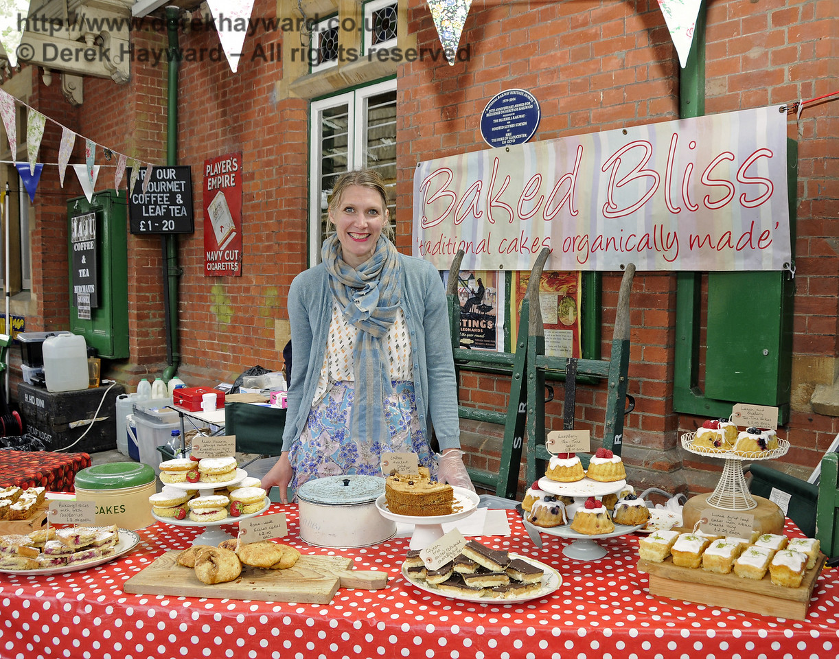 Baked Bliss.  Sussex Food Festival, Horsted Keynes, 05.07.2014  10969