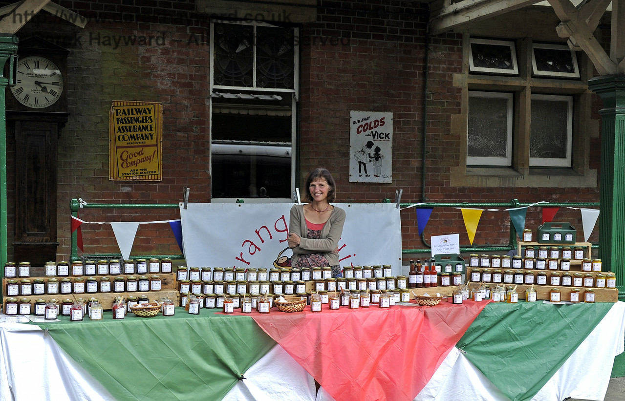 Strange Fruits.  Sussex Food Festival, Horsted Keynes, 06.07.2014  9858