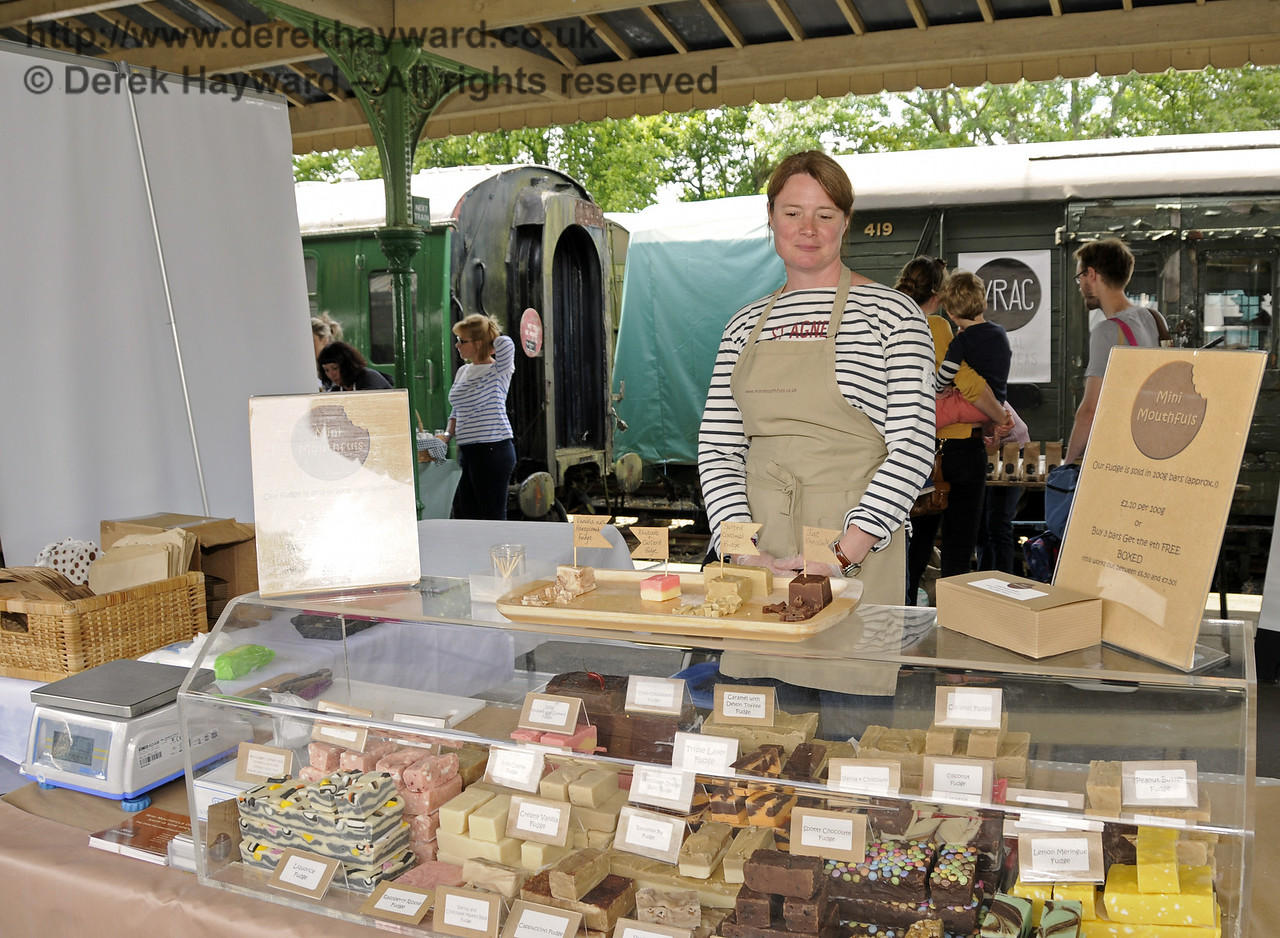 Mini Mouthfuls.  Sussex Food Festival, Horsted Keynes, 06.07.2014   11158