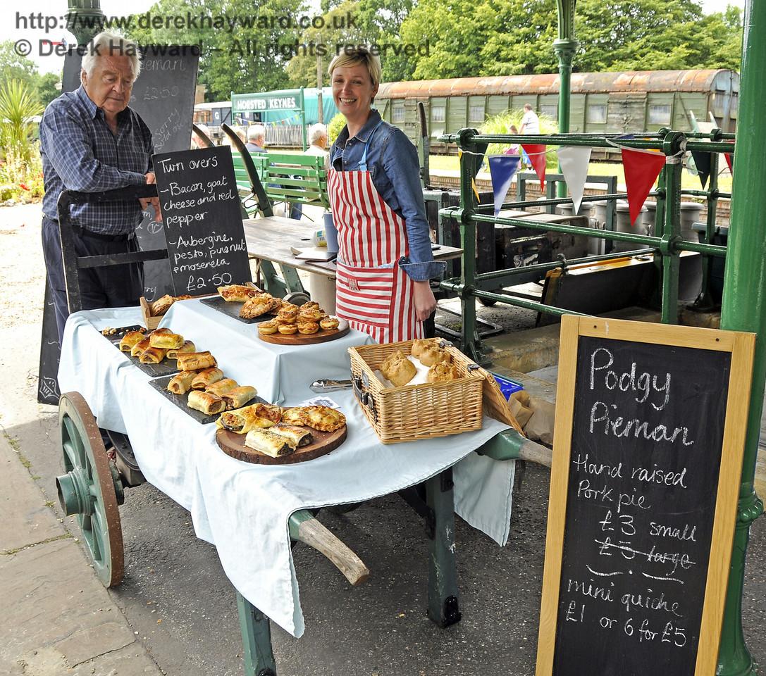 Podgy Pieman.  Sussex Food Festival, Horsted Keynes, 06.07.2014   11121