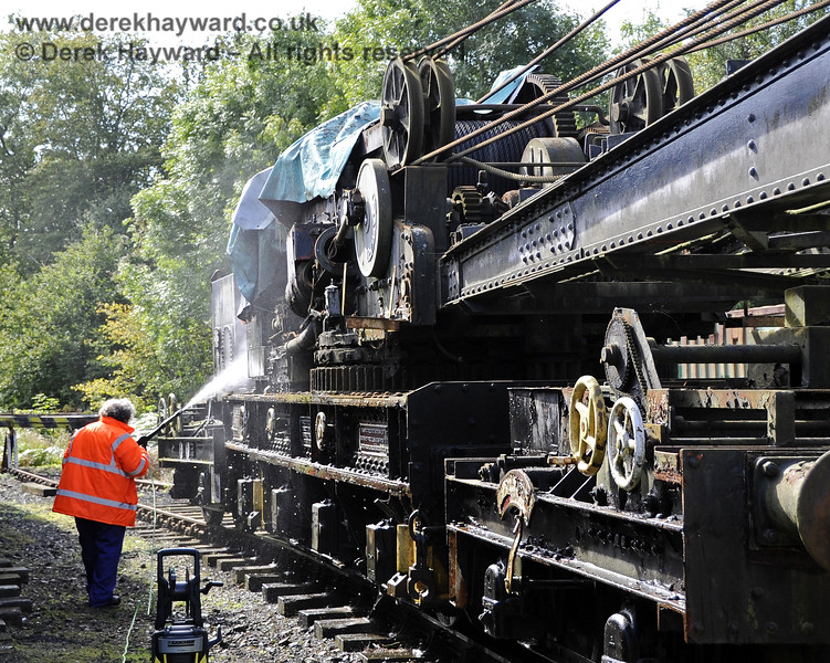 Neil Cameron jet washing the Ransomes and Rapier Ltd Steam Crane.  Horsted Keynes 15.09.2012  5688