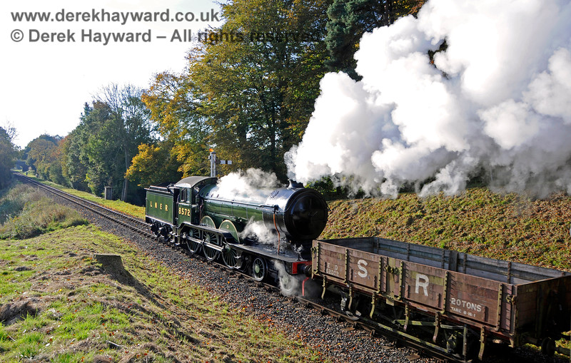 8572 (visiting) in Mill Place Cutting. 28.10.2016 16543