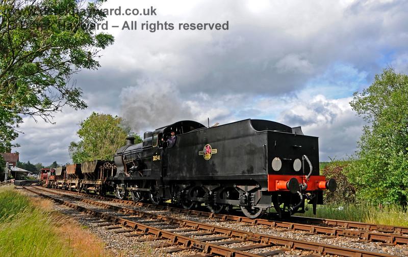 30541 leaves Kingscote. 16.06.2019 19455