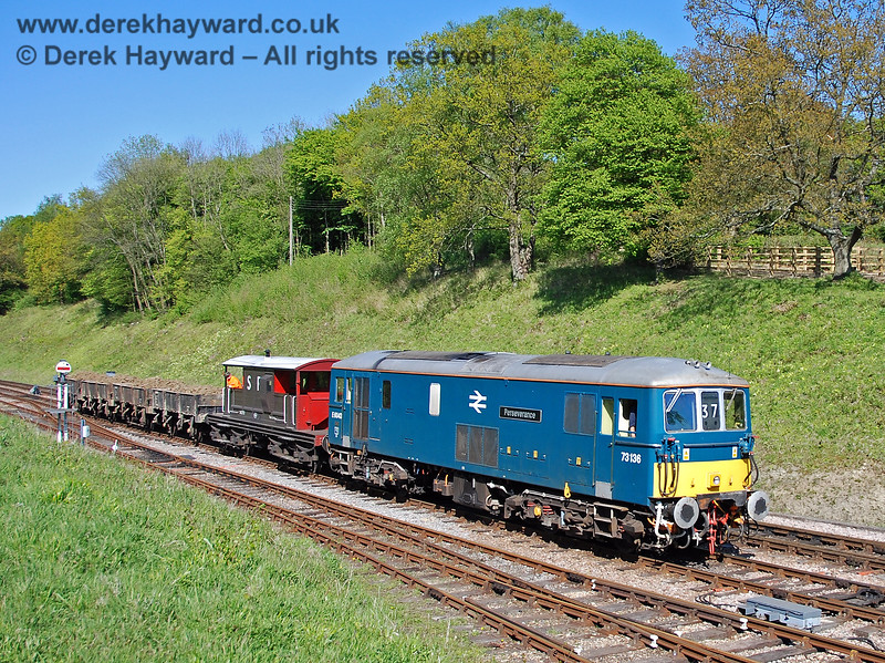73136 Perseverance arrives at Horsted Keynes with the loaded inert spoil train from Imberhorne Lane tip. 29.04.2009 0071
