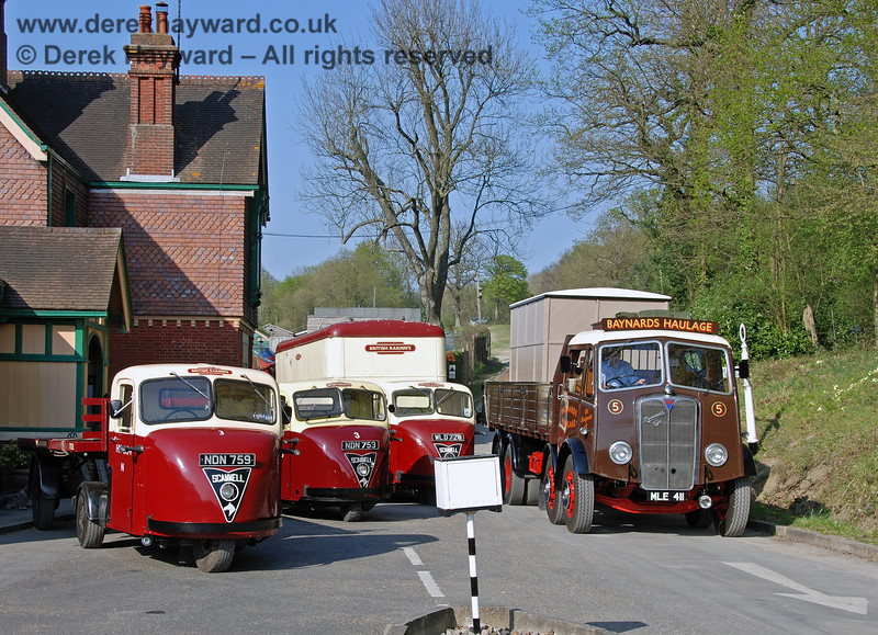 Mechanical horses NDN759, NDN753 and WLD720 at Horsted Keynes as vintage Mammoth lorry MLE411 from Baynards Haulage passes. 15.04.2007