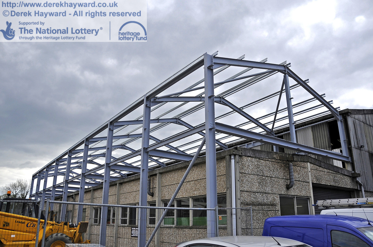 Additional roof beams have now been installed.  15.04.2012  4428
