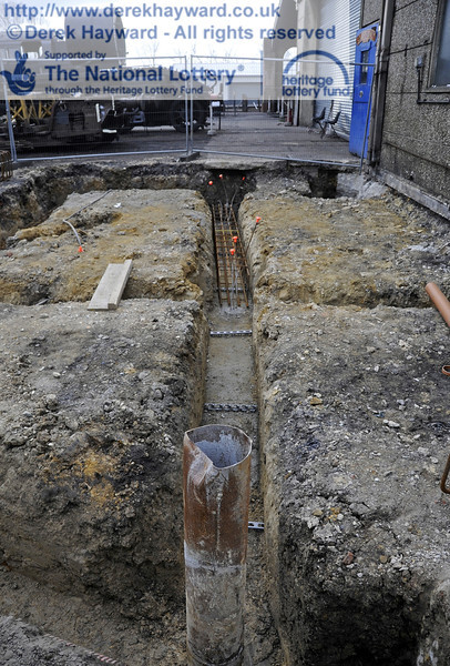Steel reinforcing is currently being installed in the foundation trenches ready for further concrete pouring later in the week.  20.03.2012  3910