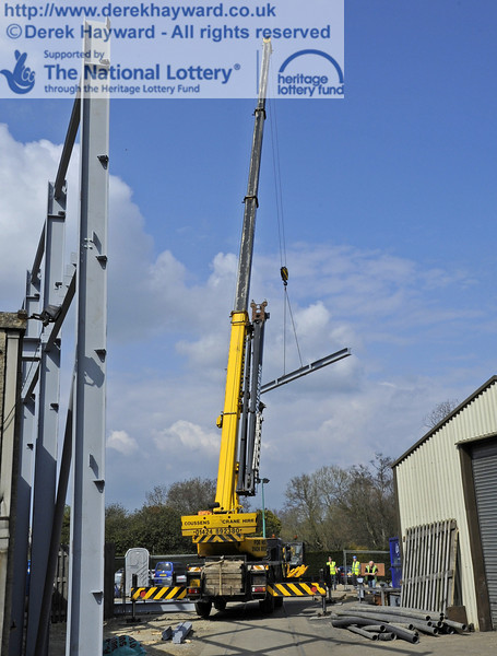 Lifting and moving the main beam for the southern end of the Workshops into position (a series of pictures).  03.04.2012  4215