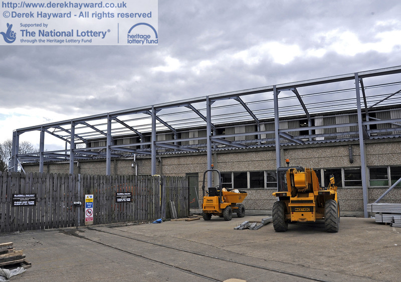 Additional roof beams have now been installed.  15.04.2012  4427