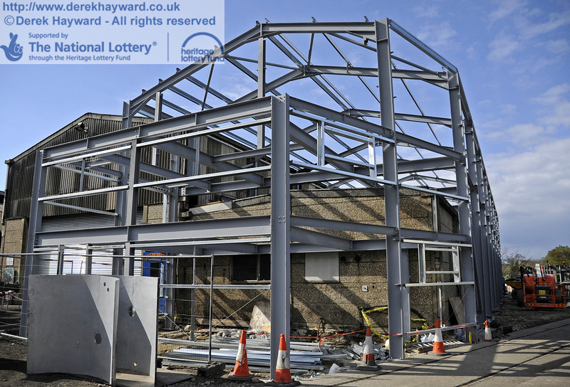 The southern section of the above Workshop facilities has now been erected.  15.04.2012  4434